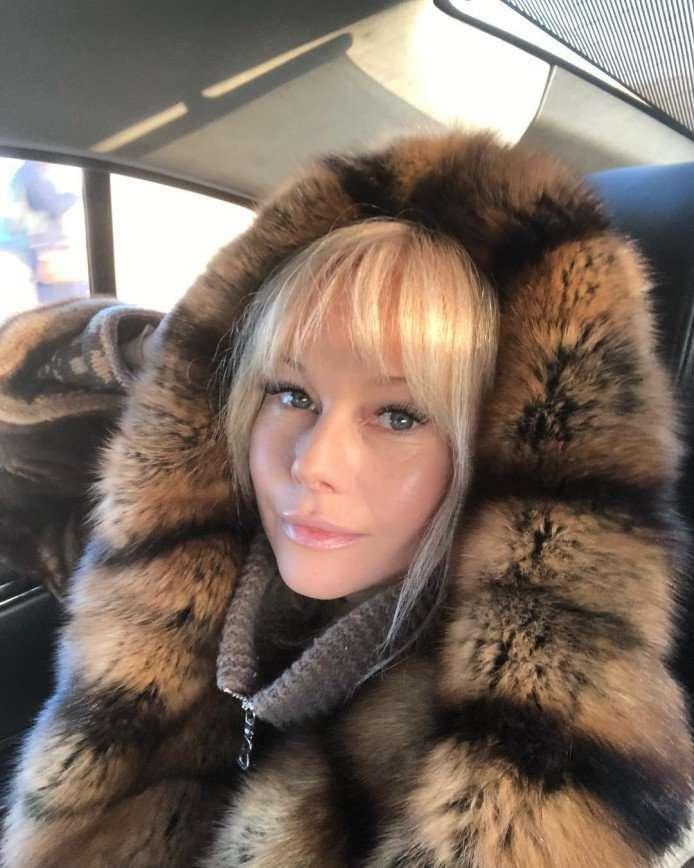 Все так же молода: Елена Корикова похвасталась пляжными фото