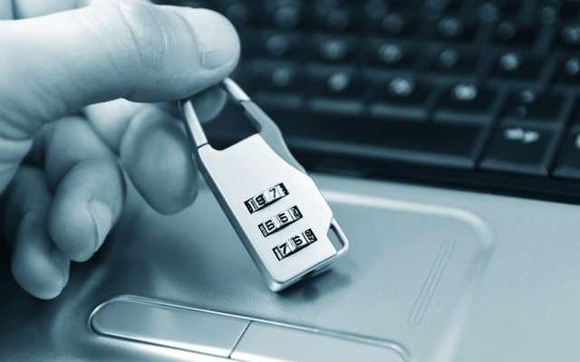 Хакеры взломали официальный сайт ЕГЭ в Петербурге